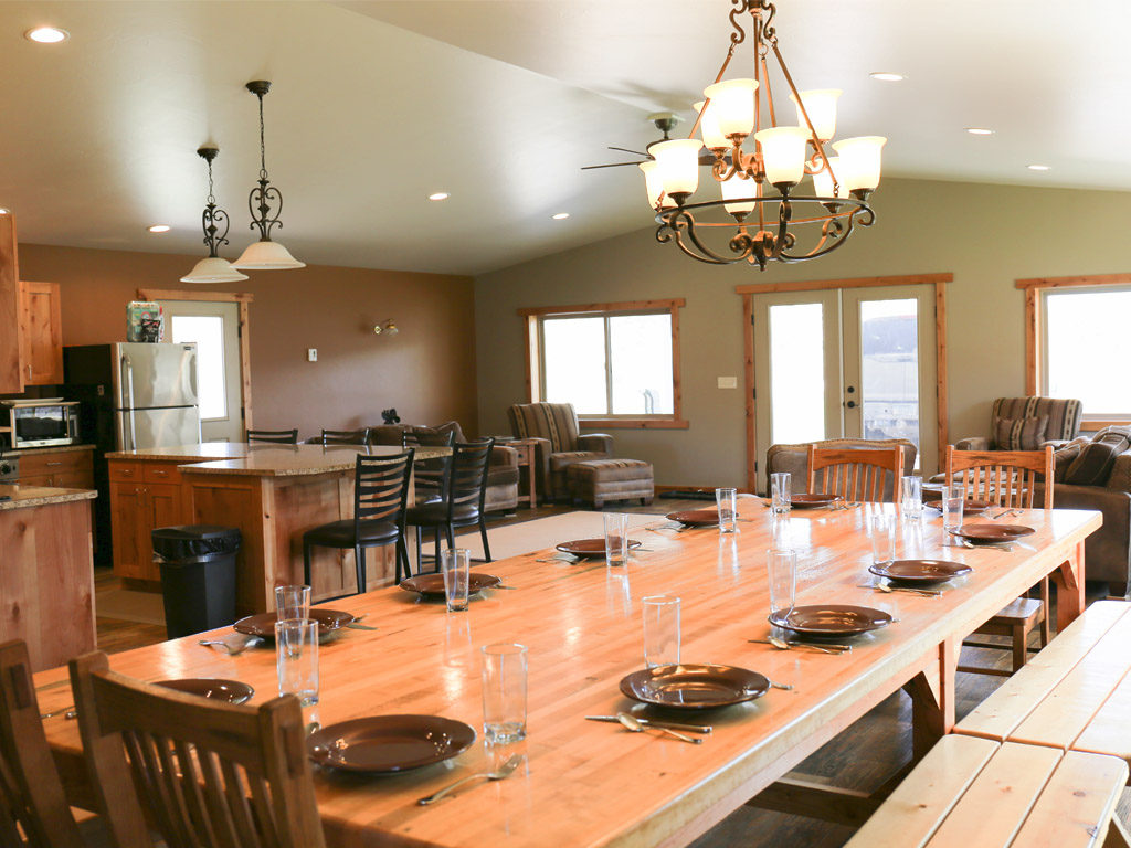 Hammer 'Em Outfitters Montana Hunting Lodge - Dining Table 1